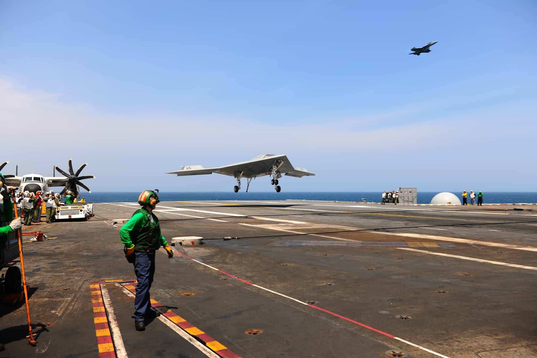 X-47B Landing on Aircraft Carrier | Unmanned Systems ...