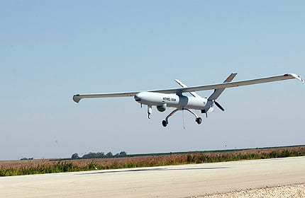 Elbit systems of america showcases hermes 450 uas unmanned systems elbit hermes 450 uas sciox Images