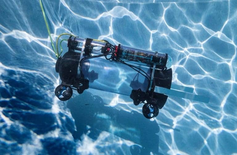 Robots in Service of the Environment Guardian LFI undersea robot
