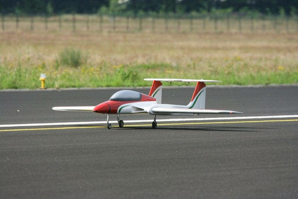 XCalibur+ Jet Trainer drone