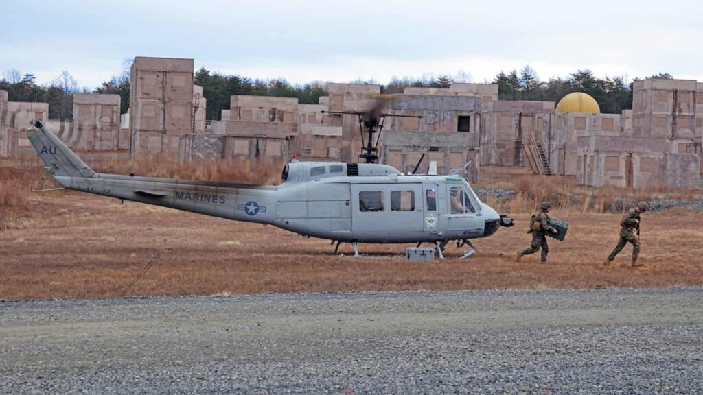 Aurora unmanned helicopter with US Marines