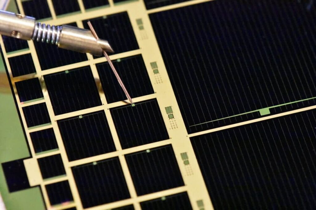 MicroLink Devices solar cell