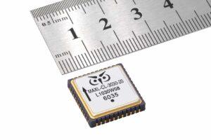 Physical Logic CL3030 closed-loop MEMS accelerometer