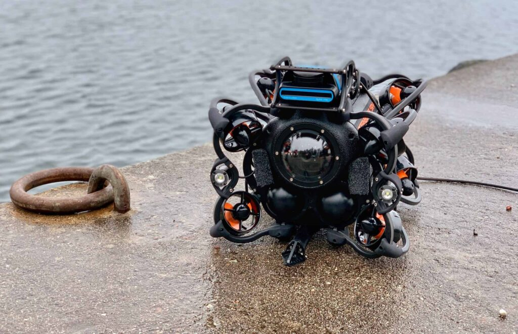 ROV robot for underwater inspections