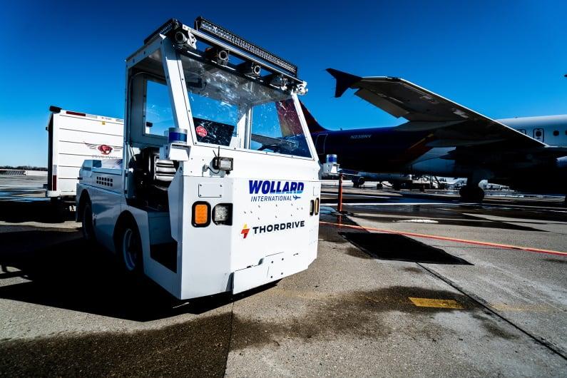 Autonomous baggage vehicle with Velodyne Lidar