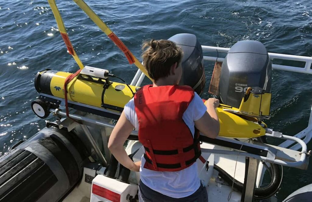 Slocum autonomous glider with OceanObserver sensors